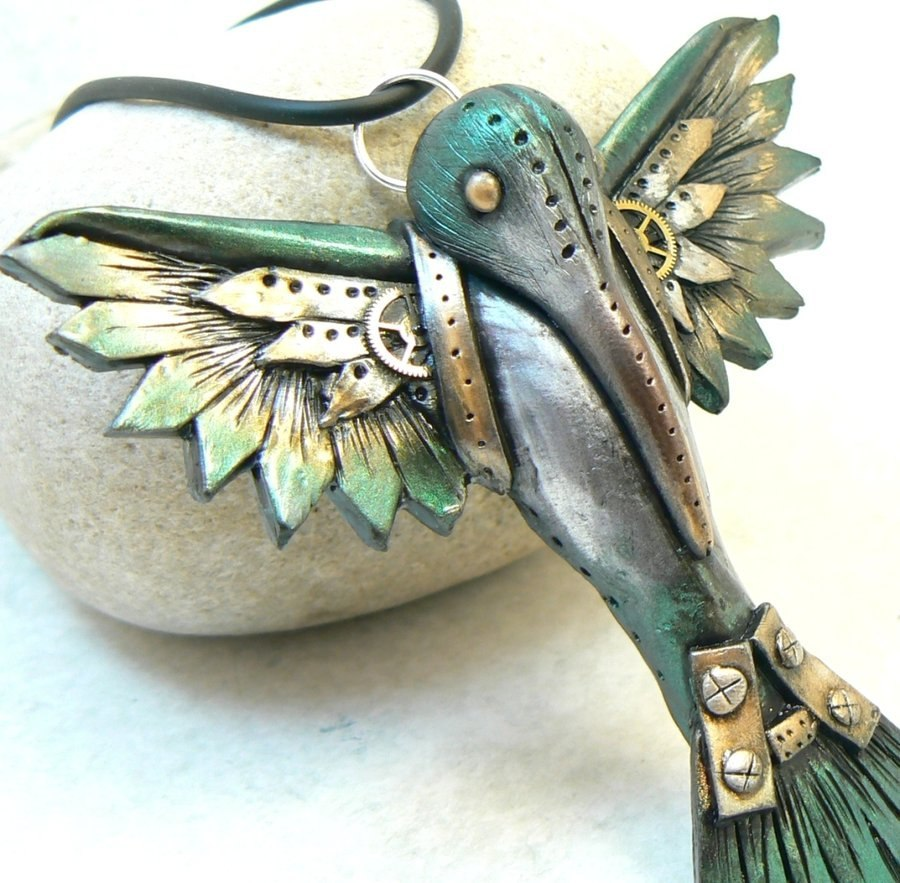 Products from polymer clay and modding in the style of steampunk by American artists Lynn Renault