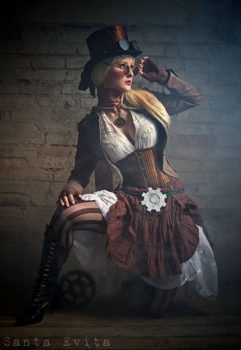Santa Evita's steampunk style photos